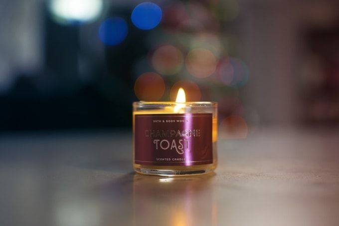 christmas-gifts-for-employees---aromatic-candles