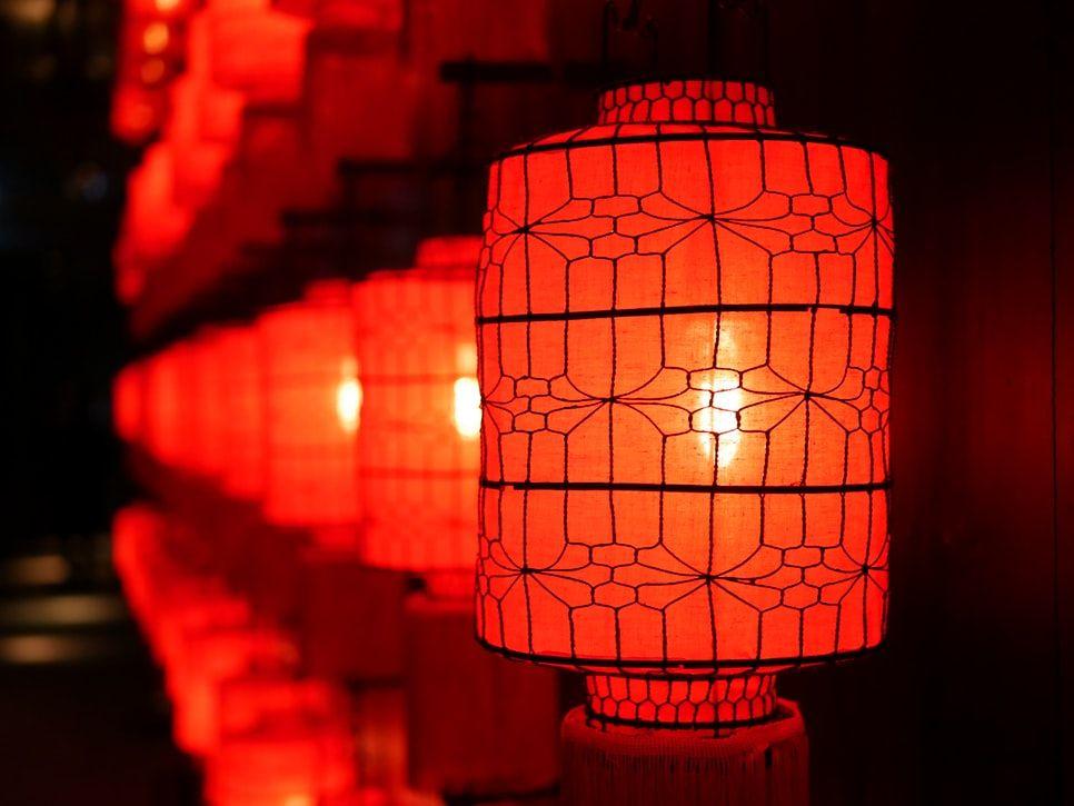 diwali_office_decoration_ideas_chineselantern
