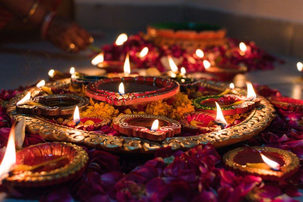 diwali_office_decoration_ideas_diyas-1