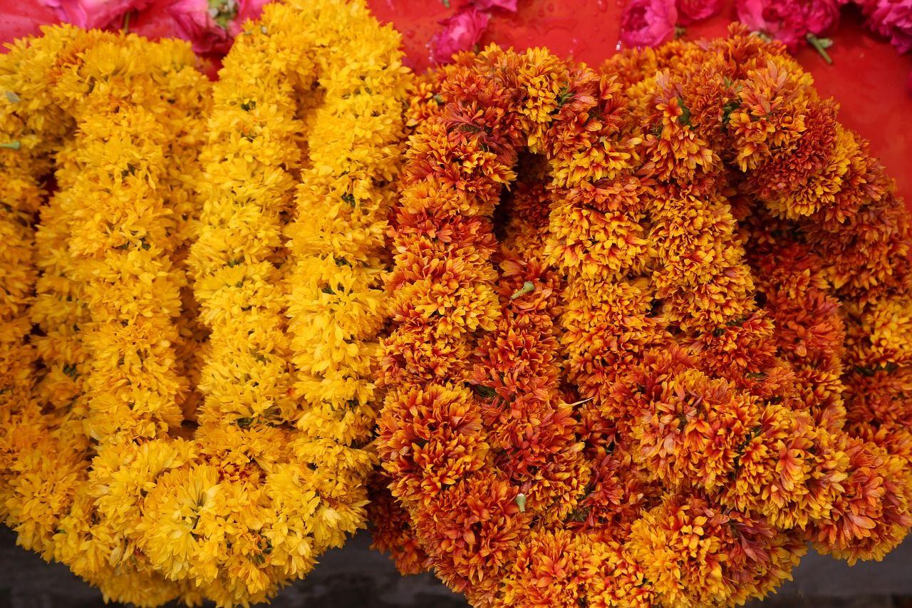 diwali_office_decoration_ideas_flowergarland
