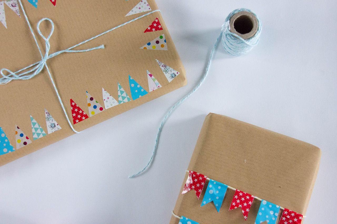 diwali_office_decoration_ideas_gift