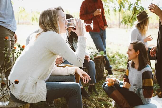 company-outing-ideas-team-picnic