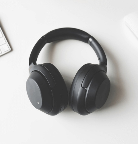 gifts-for-remote-employees-headphones