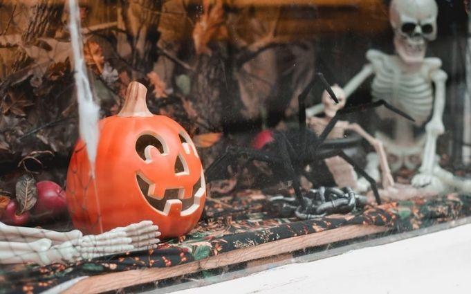 Halloween-Home-Workspace-decoration