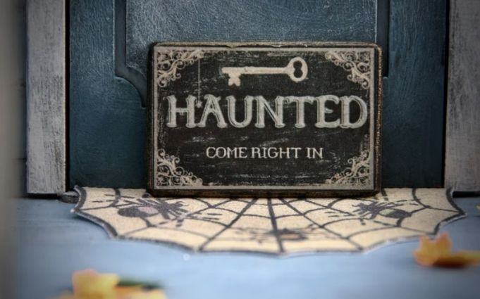 Virtual-Haunted-House-Tour
